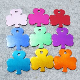 $enCountryForm.capitalKeyWord NZ - 100pcs lot Aluminum Dog Tags Clover Shaped Blank Pet Dog ID Tags Well Anodized Surface Wholesale