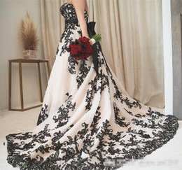$enCountryForm.capitalKeyWord UK - Vintage Gothic Black and White Wedding Dresses 2019 Plus Size Strapless Sweep Train Corset Country Western Cowgirl Wedding Gown