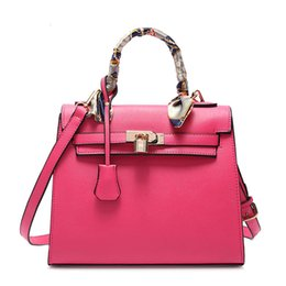$enCountryForm.capitalKeyWord Australia - 1New Ladies Handbag Litchi Pattern Package Platinum Bag Fashionable Woman Bag High Quality Pu Leater Messenger Bag