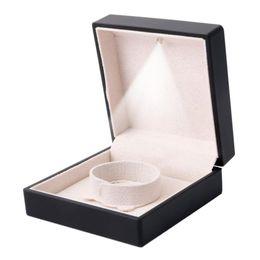 $enCountryForm.capitalKeyWord Canada - LED Wedding Jewelry Boxes Necklace Pendant Bracelet Rings Storage Display Case (Black)