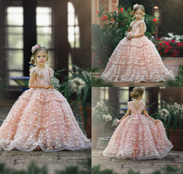 $enCountryForm.capitalKeyWord Australia - Cute Pink Lace 2020 Flower Girl Dresses 3D Floral Appliqued Cap Sleeve Little Kids Wedding Dresses Beautiful Girls Pageant Dress Party Gowns