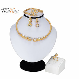 wedding costume jewelry dubai UK - Mukun 2019 New Jewelry Sets For Women African Bridal Gold Color Necklace Set Dubai Wedding Ethiopian Fashion Costume Jewellery J190523
