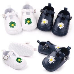 toddler strap NZ - Baby Girls Shoes White Floral Embroidered Soft Shoes Prewalker Walking Toddler First Walker Embroidered Little Daisy Buckle