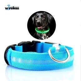 b0a476cea6c8 Nylon LED Collar de perro Luz de seguridad nocturna LED Intermitente  Resplandor Suministros para mascotas Mascotas Collares de gato Accesorios  para perros ...