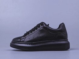 $enCountryForm.capitalKeyWord NZ - Black cheap designer shoes comfortable ladies men leather casual shoes classic low to help solid color wild comfortable couple casual shoes