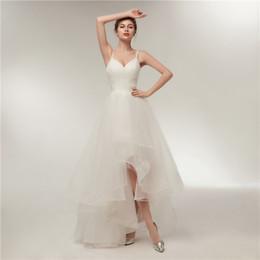 Großhandel Einfache Sling Brautkleider Uniform Plissee Thin Mesh Unregelmäßige mehrschichtige Rock Short Bride Dress New Size Adjustable