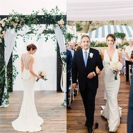 $enCountryForm.capitalKeyWord Australia - 2019 Charming Mermaid Wedding Dresses V Neck Sweep Train Peplum Country Garden Beach Bridal Gowns vestido de novia