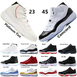 huge discount 7e498 aa7b2 Concord 45 XI 11s Männer Basketballschuhe Platinfarbton Gym Red Win Like 96  Herren Designer Schuhe Cap und Gown 11s Sport Sneakers