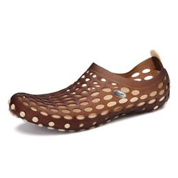 Summer Jelly Shoes Australia - Outdoor Slippers Men Summer Breathable Sandals Casual Jelly Shoes Men Slides Couples Flip Flops Beach Shoes Zapatos De Hombre
