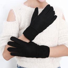 $enCountryForm.capitalKeyWord Australia - Wholesale-Outdoor sports High quality women fashion beautiful leather gloves wool gloves 100% pure wool fur gloves