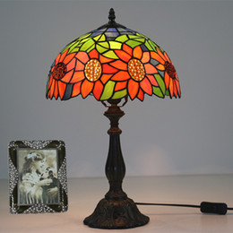 Discount vintage sunflowers - American Tiffany Retro Sunflowers Color Art Glass Table Lamp Pastoral Bedroom Table Light For Living Room Study Room Lam