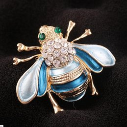 Male Fashion Suits Australia - Hot fashion insect jewelry small bee brooch wild suit brooch exquisite cardigan buckle male and female personality rhinestone pin