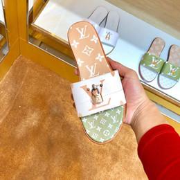 $enCountryForm.capitalKeyWord UK - 2019 Luxury Womens flip flops fashion designer real leather sandals summer digital print pattern flats Beach Jelly slippers high quality