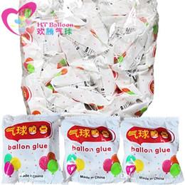 Wholesale 100 Points Balloon Glue Dot Attachment Attach Balloons Adhesives Sticker Wedding Birthday Party DIY Balloon Wall Decor Supplies