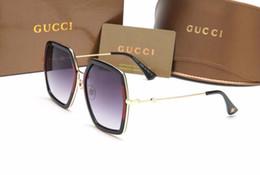 686cdca61f 8 Fotos Compra Online Copas poligonales-Nuevo 0106 bee logo gafas de sol  marca de mujer de