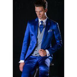 $enCountryForm.capitalKeyWord Australia - Royal Blue Customized Groomsmen Peak Lapel Groom Tuxedos Men Suits Wedding Prom Best Man Blazer ( Jacket+Pants+Vest+Tie)