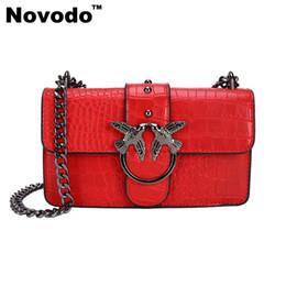 Venta al por mayor de Nuevos bolsos del diseñador de la llegada para las señoras Vantage Stone Grano Flap BagSS para mujeres con negro rojo marrón colores Crossbody bolso envío de la gota