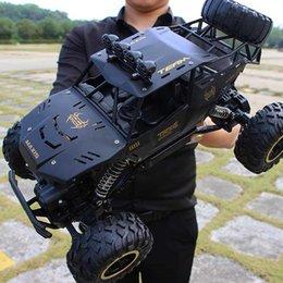 Ingrosso RC modello di auto grandi auto sportive alla guida di auto con le luci di deformazione giocattoli 1:16 a distanza dei bambini di controllo del robot un tasto per bambini di deformazione giocattoli