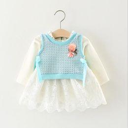 d8a854e2ae Ropa para niños Ropa para bebés Ropa para niñas Ropa de manga larga de  encaje de algodón blanco Vestido + Chaleco de lana 2pcs Ropa para niñas