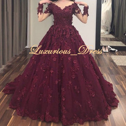 Green enGaGement dresses backless online shopping - 2K19 Elegant Long Sleeves Ball Gown Burgundy Lace Arabic Abendkleider Engagement Evening Dress with d Flowers Vestidos De Noche