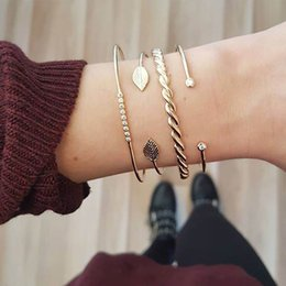 $enCountryForm.capitalKeyWord Australia - Fashion Boho Crystal Chain Bracelets Women Golden Hollow Geometric Round Leaves Charm Link Cuff Bracelet Set Female Jewelry Gift