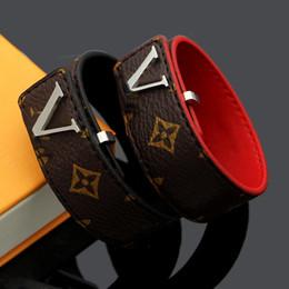 $enCountryForm.capitalKeyWord NZ - New Flower Pattern leather bracelets with logo design for women brand named Gold buckle bracelets fashion jewelry