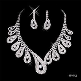 2020 элегантный посеребренный жемчуг горный хрусталь свадебное ожерелье серьги комплект ювелирных изделий дешевые аксессуары для выпускного вечера 150-42 на Распродаже