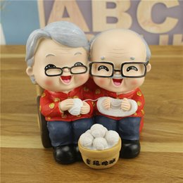 $enCountryForm.capitalKeyWord Australia - small The old man and the old woman save money can live in the wedding decoration couples resin crafts crafts statue home decoration