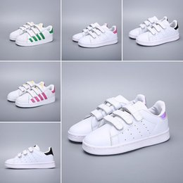 $enCountryForm.capitalKeyWord NZ - 2018 New Superstars shoes Black White Gold Hologram Junior Superstars 80s Pride Sneakers Super Star kids Sport Designer shoes