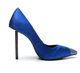 96506fba3e4 Blau Slip-On High Heels Kleid Schuhe verziert Kristall Stiletto Heels Damen  Pumps Sexy Spitz Frauen Schuhe