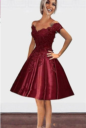 China Burgundy Knee Length Off shoulders 2019 Homecoming Prom Dresses V neck Open Back Lace Applique Sequins A line Cocktail Party Gowns Cheap cheap cheap long open side dresses suppliers