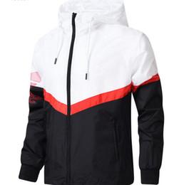 Venta al por mayor de 2019 Nueva chaqueta de moda marea chaqueta de hombre abrigo cartas impresas lujo para hombre con capucha deporte casual al aire libre ropa rompevientos L-4XL