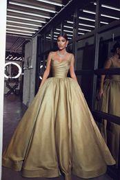 29853a49c0 Verde oliva 2019 Recién llegado Vestido de fiesta Vestidos de quinceañera  Dulce 16 Correas espaguetis Plisados Vestidos de baile Vestidos de noche ...