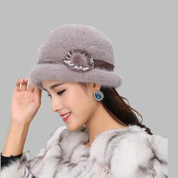 oZyc Wool Women Bowler Winter Hat Fedora Bucket Cloche Round Cap 1920s  Vintage Camel Flower Fashion elegant girls Warm hat D19011102 a70a1bdb766