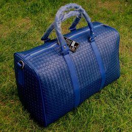 Discount fashion duffle bags women - Fashion Design Large Capacity Shoulder Handbag Travel Duffle Bag Men Women Travel Bag PU Leather Messenger Bags Vintage