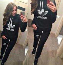 Vente en gros Adidas Survêtement Femmes Vêtements Sweats Set Lettre Imprimer Casual Manches Longues Costume Sport Costumes Sweat + Pantalon