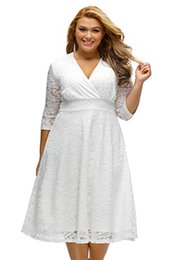 Plus Size Cheap Mother Bride Dress Australia - Hunter Green Lace Plus Size Mother Of Bride Dresses 2019 V Neck Half Long Sleeve Tulle Formal Prom Special Occasion Gowns Cheap