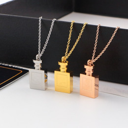 $enCountryForm.capitalKeyWord NZ - Couple necklace for women 316L Titanium Steel Brand fashion jewelry logo Silver rose gold pendant necklaces