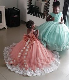 $enCountryForm.capitalKeyWord Australia - Luxury Crystals African Girls Pageant Dresses 2020 Ball Gown 3D Floral Vintage Lace Toddler Infant Little Girls Pageant Gown Size 10 Bow