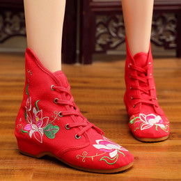 Ethnic shoEs womEn online shopping - 2019 Mandala Ankle Boots For Women Boots Embroidered Chinese Embroidered Shoes Ethnic Style Floral Mom Shoes