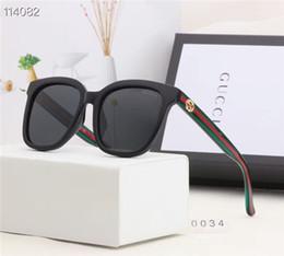 Опт Женская мода мода повседневная одежда солнцезащитные очки путешествия праздник играть супер темперамент солнцезащитные очки с коробкой бесплатная доставка