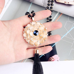 $enCountryForm.capitalKeyWord Australia - Length 76cm Luxury Beige Synthetic Opal Flower Necklaces Long For Women Sweater Chain Jewelry For Women Clothes Accessories