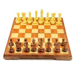 Magnetic board gaMes online shopping - New International Chess Checkers Folding Magnetic High grade wood grain Board Chess Game English version three Sizes SH190907