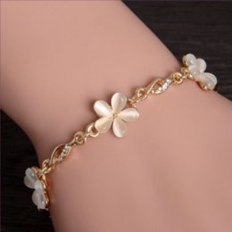 bracelets cat eyes Canada - Attractive Design Light Yellow Gold Color Many Style Cat Eye Stone Link Chain Bracelet with Rhinestone Jewelry