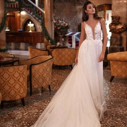appliques style wedding dresses NZ - New Style White Beach Wedding Dresses 2021 V-neck Sleeveless A-Line Court Train Appliques Tulle A-Line Bride Gowns Robe de mariee Vestidos