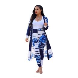 2019 nuevas mujeres de la moda Blockbuster moda europea y americana novio patrón de flores viento viento manto calzoncillos traje casual
