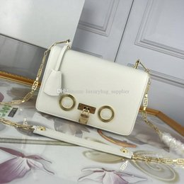 $enCountryForm.capitalKeyWord Australia - Handbag Luxury Handbags Designer Bags New Summer Small Fresh Chain Badge Small Square Bag Single Shoulder Cross Strap Lock