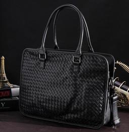 $enCountryForm.capitalKeyWord NZ - Original design fashion men Woven handbags casual hand woven leather handbags simple large capacity leisure computer bag business briefcase