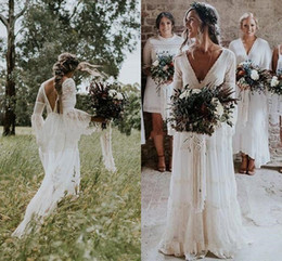 HigH low lace western wedding dress online shopping - Vintage Bohemian Long Sleeve Wedding Dresses V neck Lace Full length Low Back Western Country Beach Bridal Gowns Cheap
