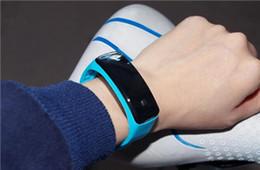Детские светодиодные электронные силиконовые браслеты с пластиковыми часами Творческая мода Спорт Детские электронные часы Простые и красивые оптом